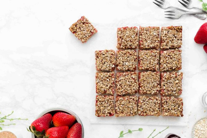 Healthy Strawberry Crumble Bars